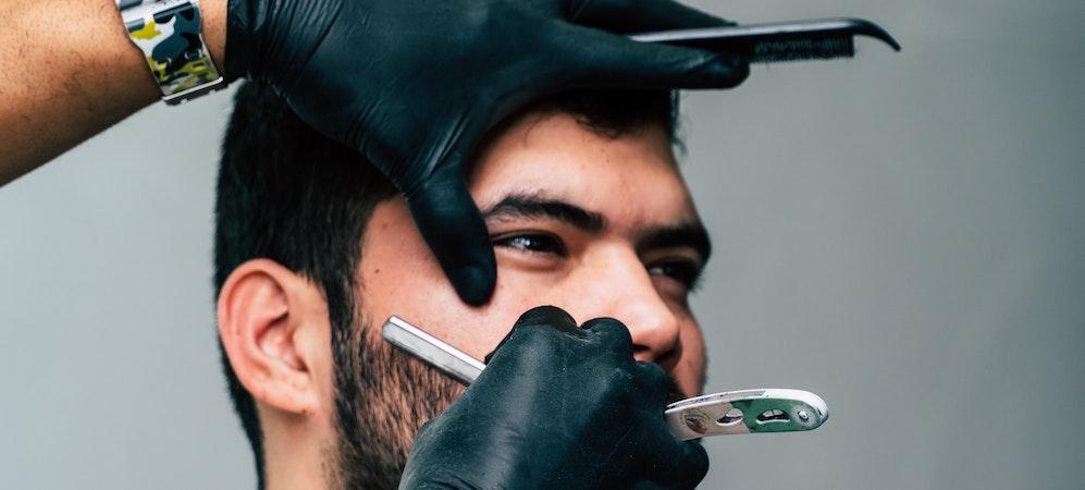 敏感肌の男性へ!医療脱毛の髭剃りストップ(抑制)効果