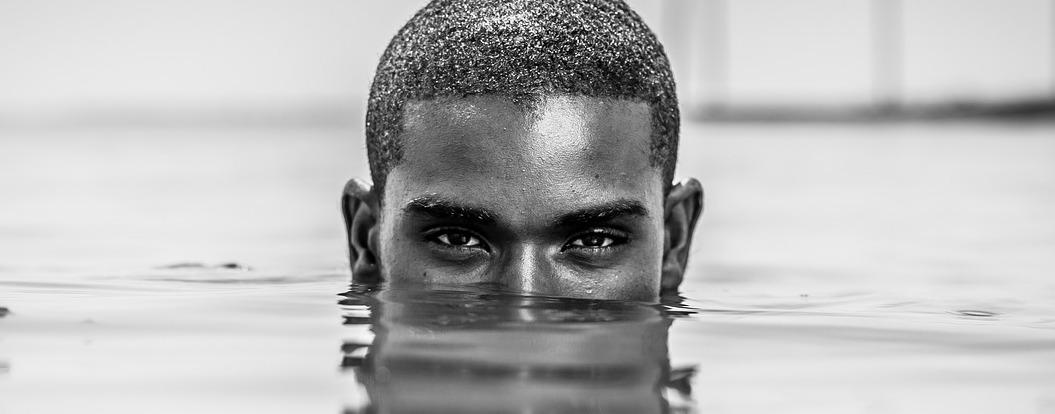 肌の色味で脱毛効果も変化!? 色黒男性のヒゲ脱毛のポイント